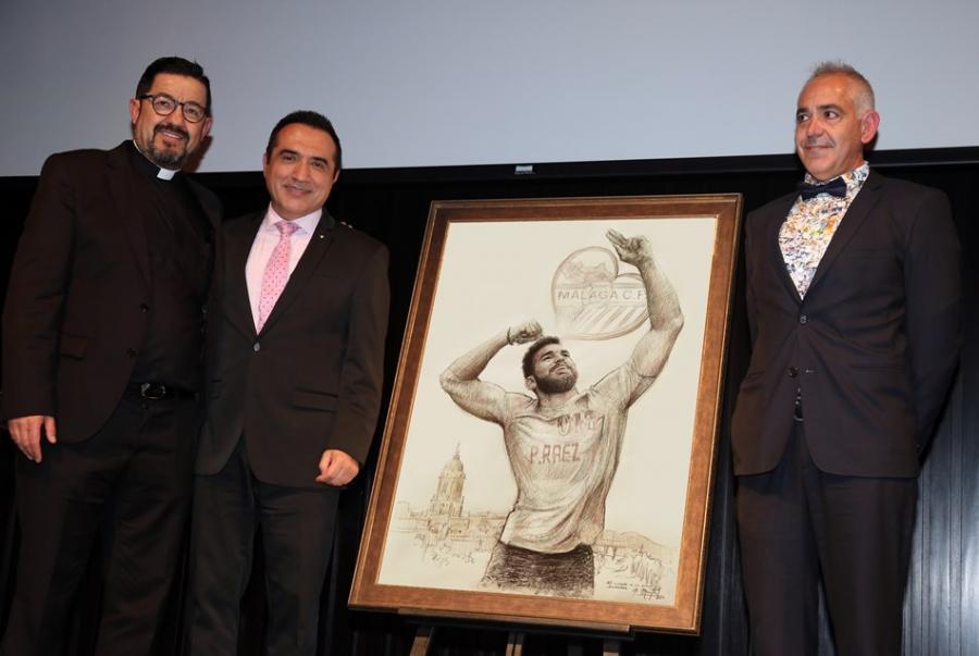 """Cultura Cultura El pintor Antonio Montiel homenajea a Pablo Ráez para los premios """"SiempreFuerte"""" de la Fundación Málaga C.F."""