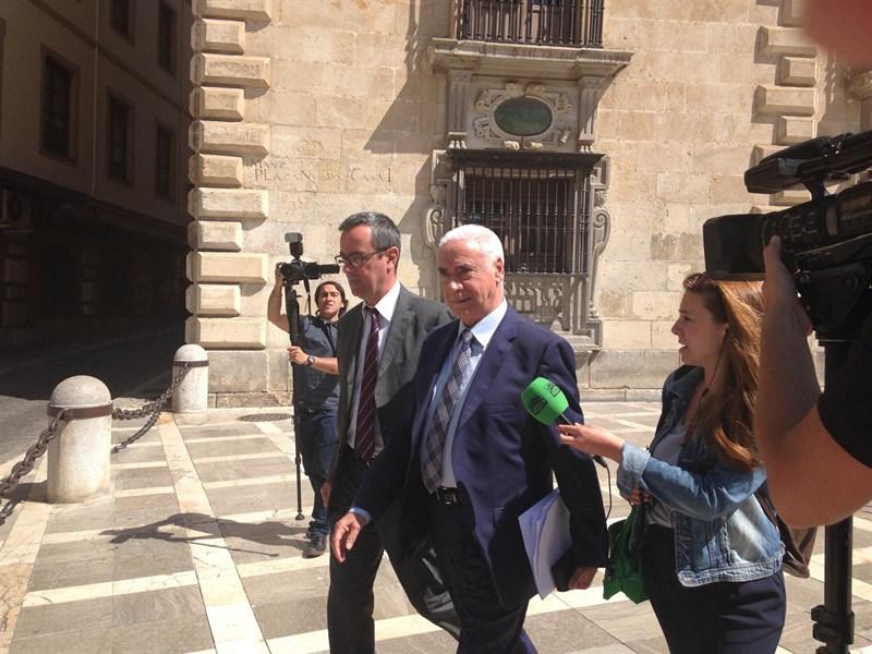 Málaga Málaga Fiscalía pide 14 años de inhabilitación para Luciano Alonso por presunta prevaricación