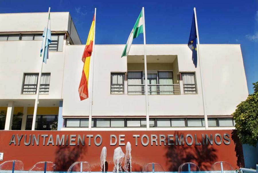 Torremolinos Fotos Baile El extraño robo en el Ayuntamiento de Torremolinos: Se llevan dos portátiles y unos 100 euros de un bote de empleados