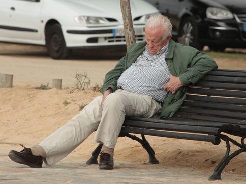 Tercera Edad Tercera Edad Los mayores no necesitan menos sueño, es que no pueden generarlo