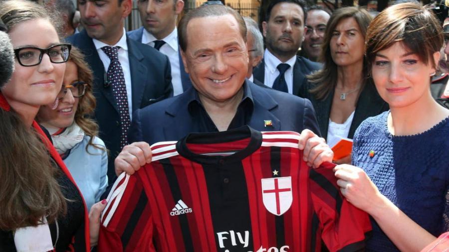 Deportes Deportes Berlusconi vende el AC Milan a un grupo de inversores chinos por 740 millones.