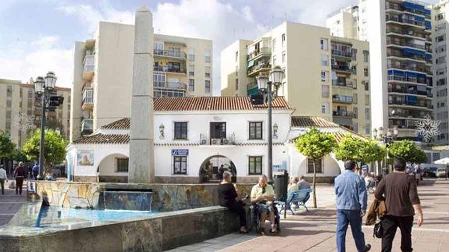 Torremolinos Torremolinos Finalizan con más de dos meses de retraso las obras que han traído de cabeza a los comerciantes del centro de Torremolinos