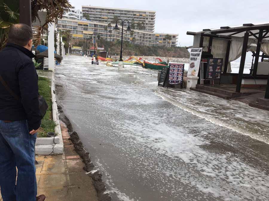 Torremolinos Torremolinos Histórico temporal de levante que provoca destrozos en el litoral de Torremolinos