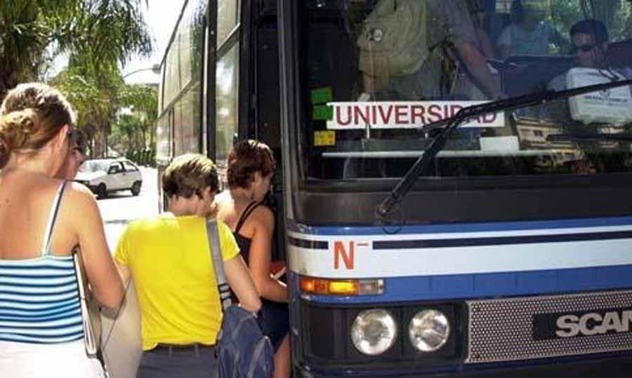 Torremolinos Torremolinos El lunes se abre el plazo para optar a las 110 becas de transporte universitario en Torremolinos
