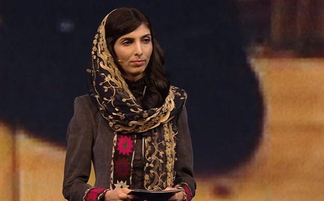 Actualidad Noticias La historia de Roya Mahboob, amenazada por enseñar a niñas a conectarse a internet en Afganistán