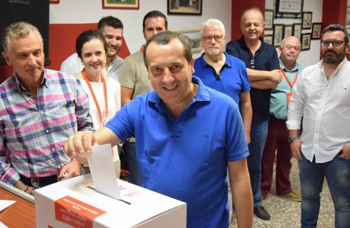 Málaga Málaga El PSOE de Málaga ya vota a su nuevo secretario general