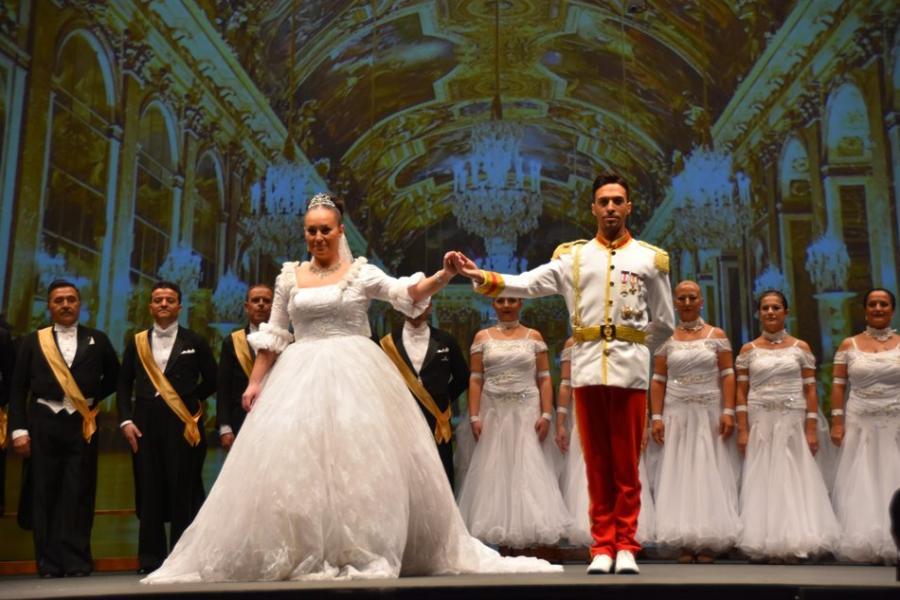 Torremolinos Torremolinos El Baile del Emperador y el Campeonato de Artístico llenaron de glamour el Palacio de la Paz de Fuengirola