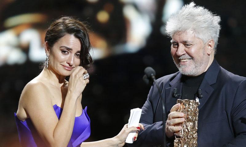 Actualidad Noticias La emoción de la actriz Penélope Cruz al recibir en París el César de Honor
