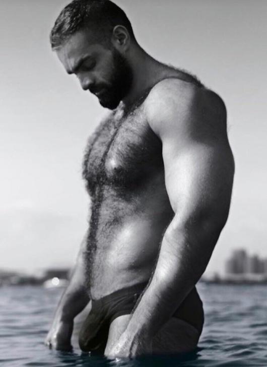 Hombres Hombres sexys Hombre en la playa de torremolinos