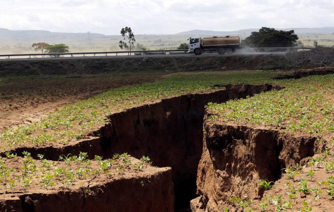 Ecologia Ecologia Ciencia: Aparece una enorme grieta en Kenia capaz de dividir África en dos