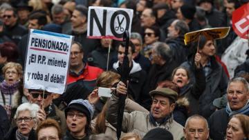 Tercera Edad Tercera Edad Las pensiones preocupan cada vez más a los españoles
