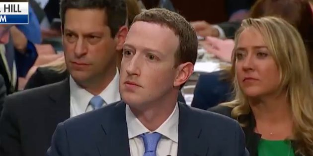 Tecnología Tecnología Facebook: Mark Zuckerberg totalmente desbancado por una pregunta personal en el Senado de EE. UU.