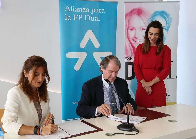 Málaga Málaga La Diputación de Málaga reafirma su apuesta por la Formación Profesional Dual y se adhiere a la Alianza