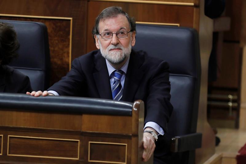 Actualidad Noticias Rajoy quiere mantener su escaño al menos hasta el congreso que elegirá a su sucesor