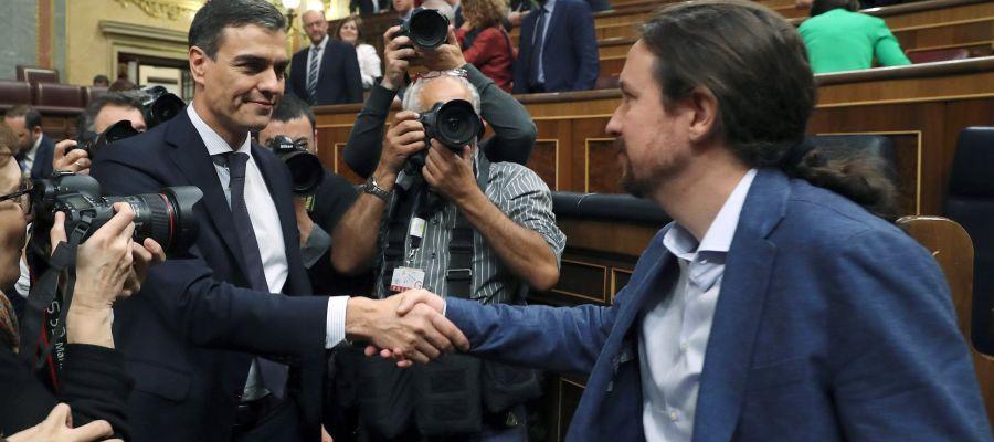 Actualidad Noticias Sánchez e Iglesias mantienen una reunión privada en Moncloa para negociar iniciativas conjuntas
