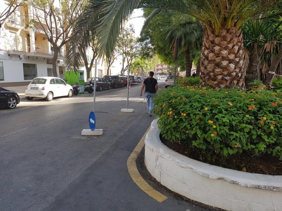Torremolinos Torremolinos La chapucera solución del equipo de Ortiz al problema de seguridad vial y peatonal en la calle Cruz: ¿Hay alternativas para el Hotel Califa antes de que se derrumbe?