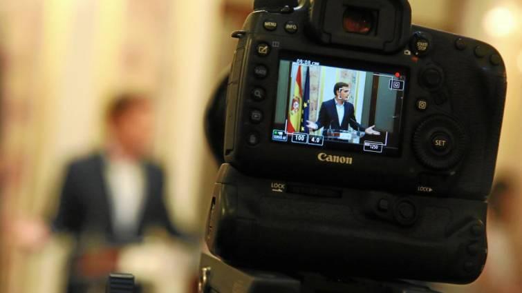 Actualidad Noticias Sánchez copió párrafos enteros y discursos en el libro sobre su tesis