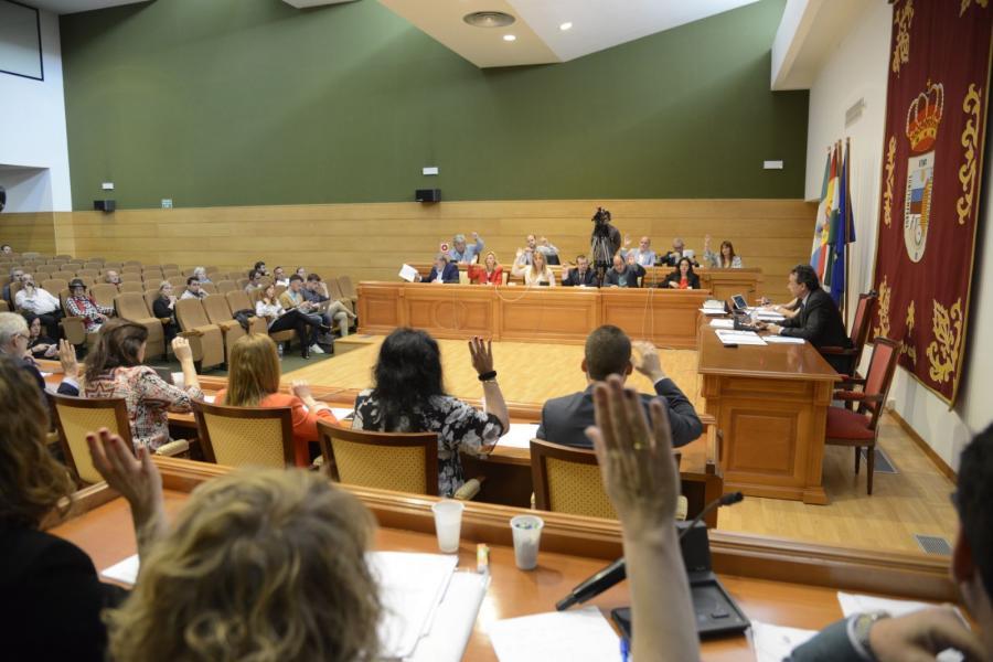 Torremolinos Torremolinos El pleno de octubre destapa el manifiesto pasotismo y descontrol del equipo de Gobierno socialista al frente de Torremolinos