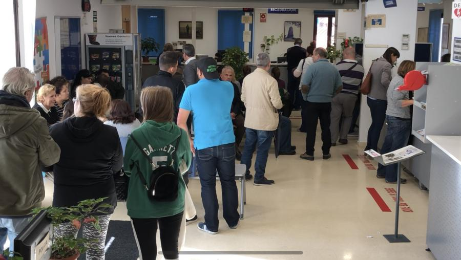 Ayuntamientos Ayuntamientos El alcalde de Mijas provoca el caos cambiando el sistema de cobro de impuestos días antes de finalizar el plazo voluntario