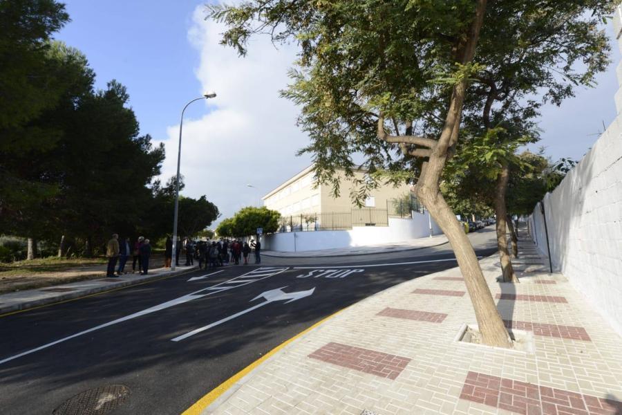 Torremolinos Torremolinos Abierto al tráfico el Ramal de Salgareño, una reclamación de la comunidad educativa al facilitar el acceso al apeadero de tren de El Pinillo y al colegio Mar Argentea