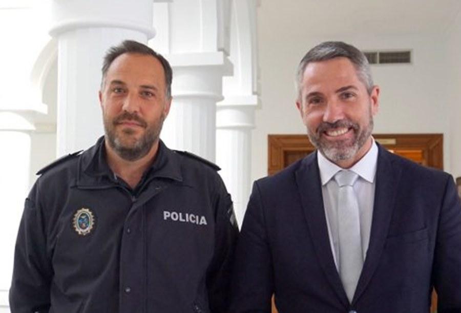 Ayuntamientos Ayuntamientos Maldonado y Kiko (C's) compran dos pistolas de descargas eléctricas con dinero público que los agentes de la Policía Local no pueden usar