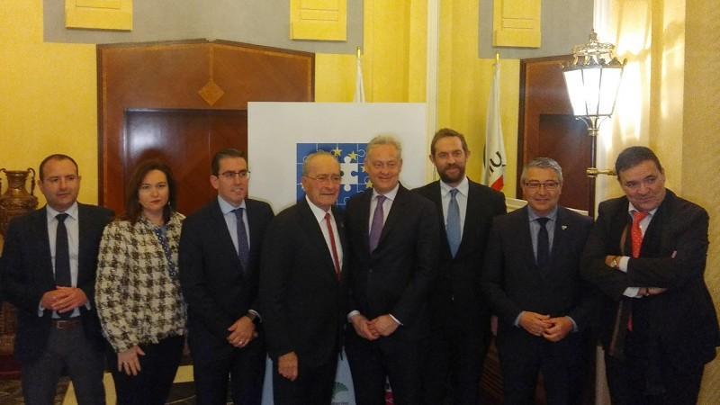 Turismo Turismo El presidente de la Diputación de Málaga anuncia la creación de un grupo de trabajo con expertos turísticos para abordar el Brexit