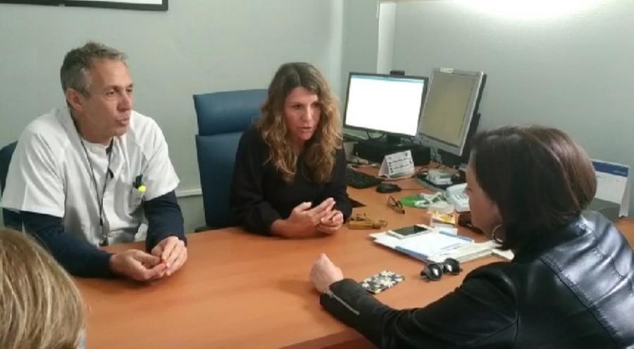 Torremolinos Torremolinos Margarita Del Cid se compromete a solucionar los problemas de aparcamiento para el personal sanitario de La Carihuela