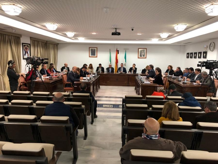 Ayuntamientos Ayuntamientos El PP de Mijas lidera la propuesta de soluciones para acabar con el caos de los servicios municipales sin contrato