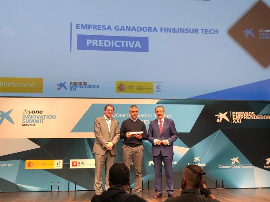 """Tecnología Tecnología La malagueña 'Predictiva' gana el Premio Emprendedor XXI nacional en la categoría 'Fin&InsurTech' creando un bot de inteligencia artificial llamado """"Clara"""""""