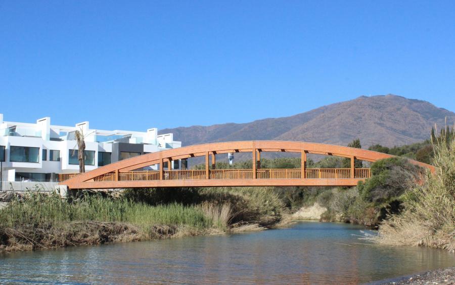 Ayuntamientos Ayuntamientos El Ayuntamiento de Estepona recibe la autorización para ejecutar un nuevo tramo del corredor litoral en la zona de Riviera Andaluza