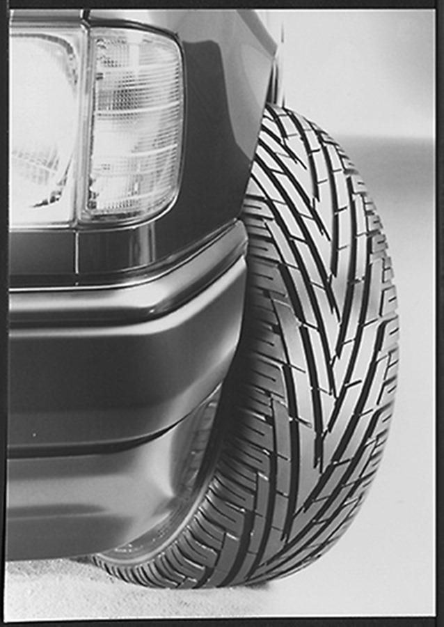 Actualidad Noticias Uniroyal, la marca que lanzó al mercado los primeros neumáticos direccionales de verano