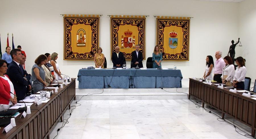 Ayuntamientos Ayuntamientos El Pleno del Ayuntamiento de Estepona aprueba destinar 6,7 millones de euros del superávit al pago de la deuda heredada