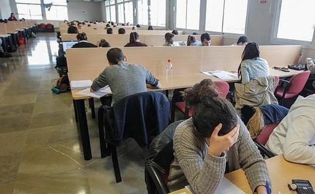 Andalucía Andalucía 13 estudiantes andaluces se reparten más de 1,2 millones de dólares en becas en universidades de EEUU
