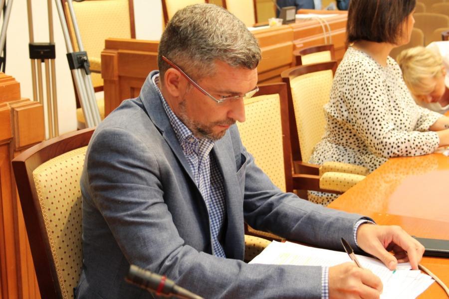 Torremolinos Torremolinos El equipo de gobierno se niega a llevar a votación la moción popular para la creación de un Consejo de Educación en Torremolinos