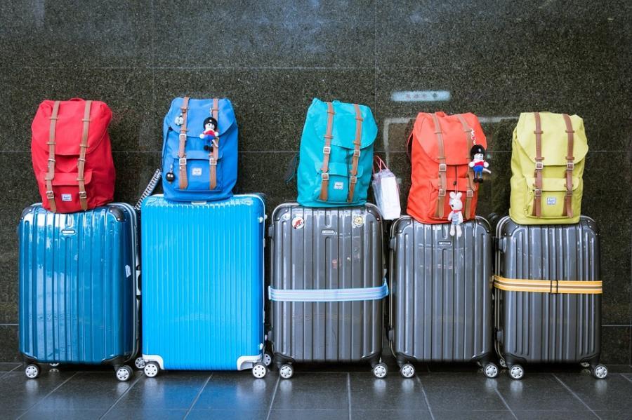 Turismo Turismo Railway Innovation Hub  y el Clúster Smart City promoverán el uso de robots para traslado de equipajes y paquetes en estaciones
