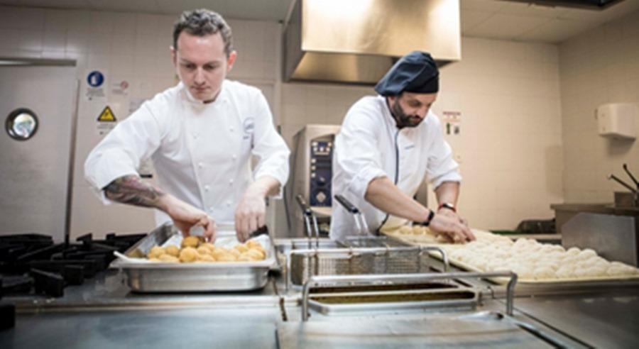 España España MAKRO y Mediterránea sirven más de 540 tapas en hospitales de toda España junto a 4 chefs estrella Michelin