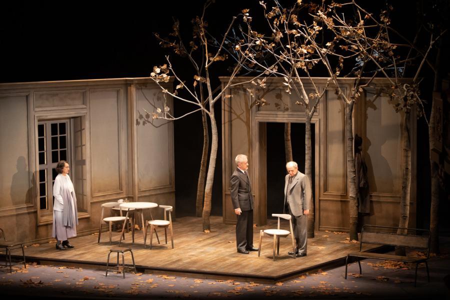 """Cultura Cultura Emilio Gutiérrez Caba y Carlos Hipólito recrean en """"Copenhague"""" un momento clave de la historia de la humanidad en el Teatro Cervantes de Málaga"""