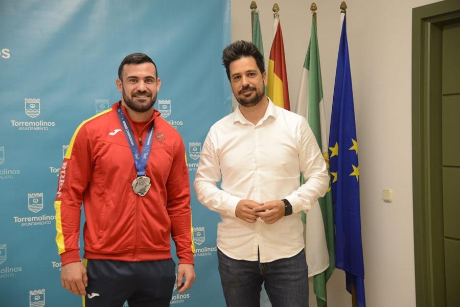 Torremolinos Torremolinos El Ayuntamiento de Torremolinos recibe al luchador Alan Betancur tras su medalla de plata en el Campeonato del Mundo de Grappling Gi