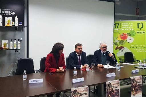 """España España Planas muestra su compromiso """"incuestionable"""" con el sector oleícola"""