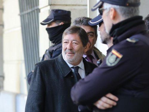 Andalucía Andalucía El tribunal de los ERE mantiene en libertad a Guerrero, Fernández, Viera y Márquez al no apreciar riesgo de fuga