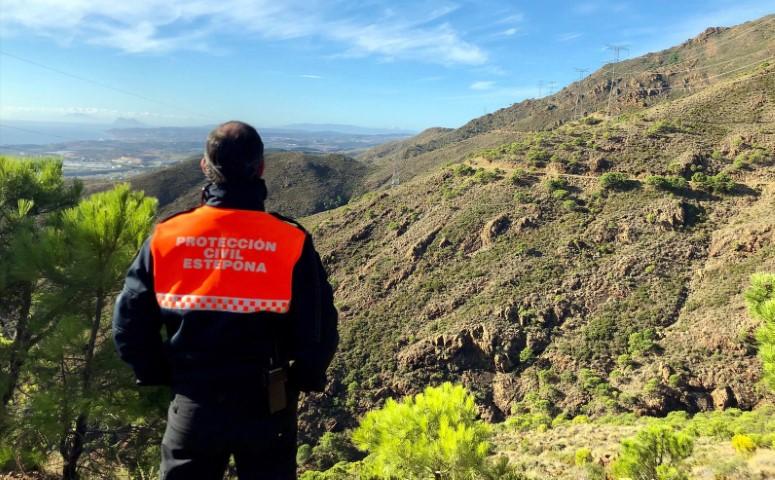 Ayuntamientos Ayuntamientos El Ayuntamiento de Estepona dedica hoy una glorieta a los voluntarios de Protección Civil de Estepona