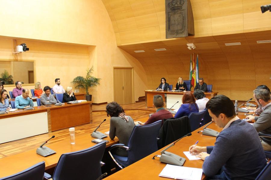 Ayuntamientos Ayuntamientos El Ayuntamiento inicia los trámites para declarar a Fuengirola municipio de gran población