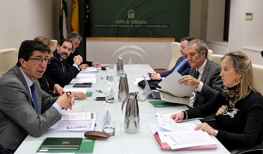 Andalucía Andalucía Marín anuncia la ampliación de la plantilla de funcionarios para Fiscalía tras 13 años congelada