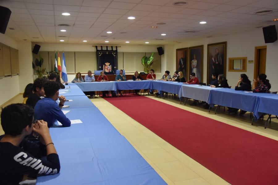 Ayuntamientos Ayuntamientos El Consejo de la Juventud de Fuengirola implica a varias concejalías para impulsar iniciativas dirigidas a los jóvenes