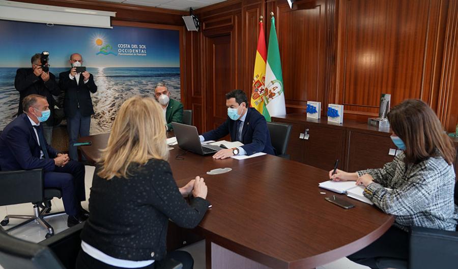 """Andalucía Andalucía Moreno: """"El Gobierno andaluz está volcado en conseguir que las playas sean un referente de turismo seguro"""""""