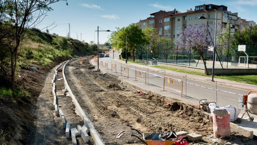 Ayuntamientos Ayuntamientos El Ayuntamiento de Estepona inicia obras en la calle Guillermo Cabrera para crear 76 nuevos aparcamientos y ensanchar esta vía