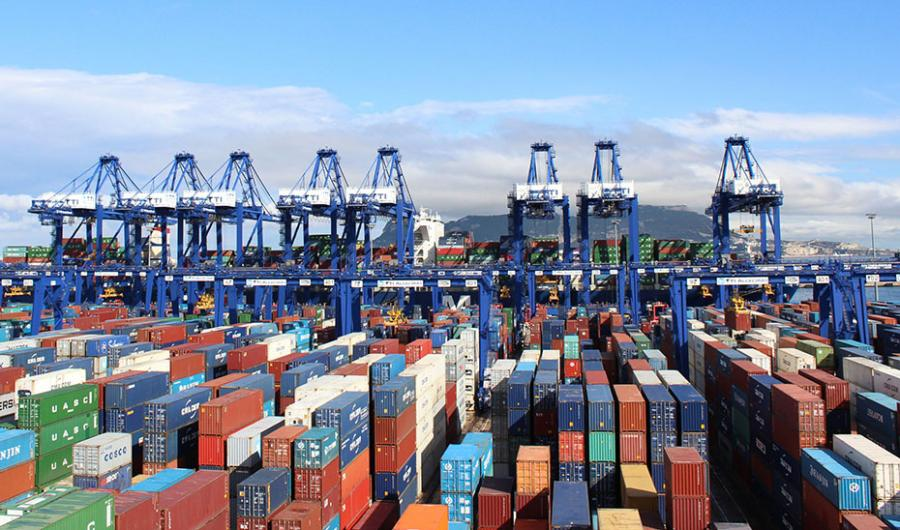 Andalucía Andalucía Andalucía mantiene un superávit de 436 millones en el primer trimestre aunque bajan sus exportaciones