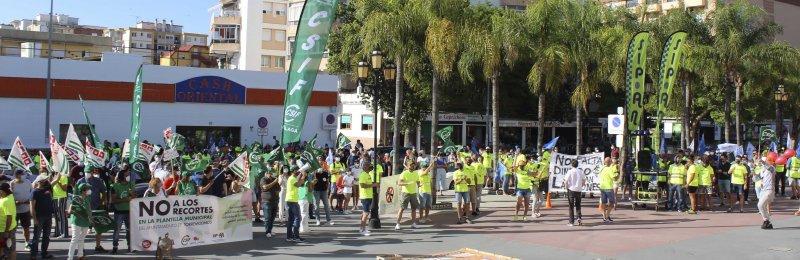 Torremolinos Torremolinos Trabajadores municipales de Torremolinos se movilizan contra el recorte salarial del 10% planteado por el Ayuntamiento