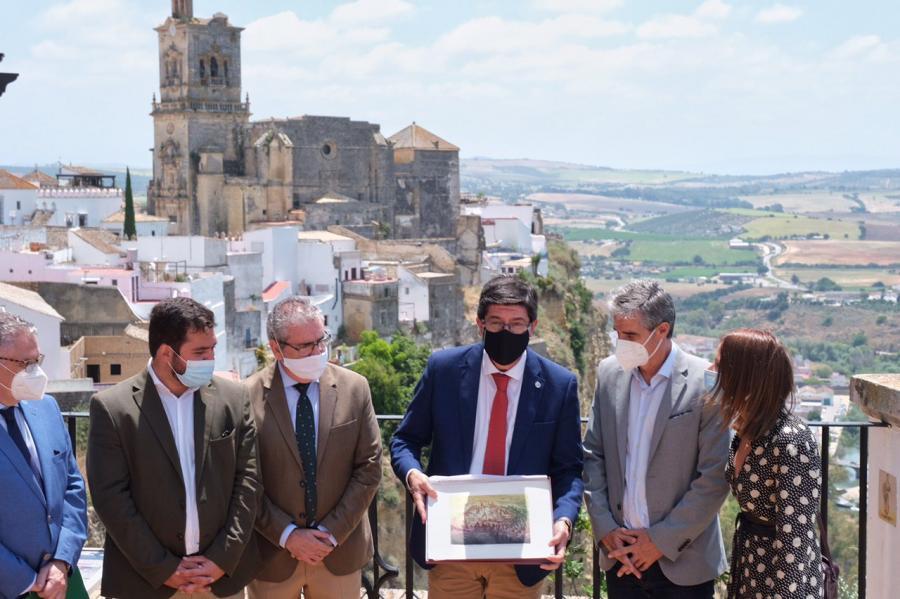 Turismo Turismo Marín ve en el sello 'Andalucía Segura' y el decreto hotelero medidas para reforzar el turismo interior