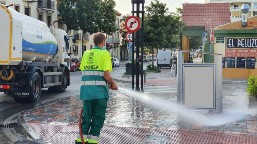 Ayuntamientos Ayuntamientos Fuengirola refuerza la limpieza en toda la ciudad durante la época estival